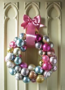 christmas-wreaths-made-from-onaments