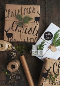 christmas-wrapping-paper-using-brown-paper