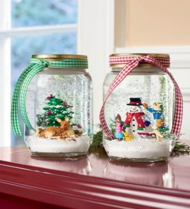 diy-christmas-snowglobes-using-mason-jars