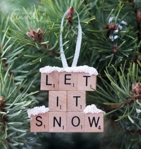 handmade-christmas-ornaments-made-from-scrabble-tiles
