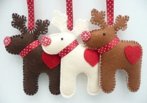 handmade-christmas-ornaments-made-from-felt